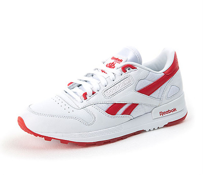 1c4f2594d66c Reebok Men s Fashionable Athletic Shoe White Red CL LEATHER 2.0 BS8425