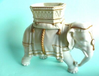 Late 19th century Worcester Porcelain Elephant by James Hadley..........ref.1419
