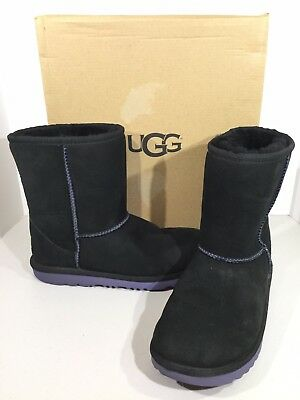 3c599c8e30f UGG 1017703K CLASSIC II Kids Girls Size 6 Black Suede Pull On Boots X16-344