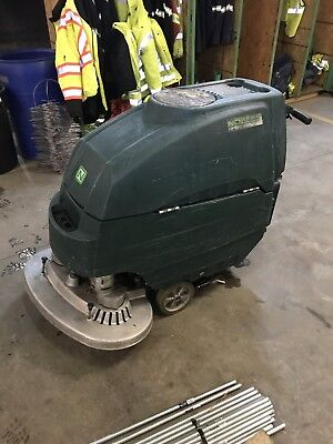 Nobles SS-5 32 Inch Floor Speed Scrubber