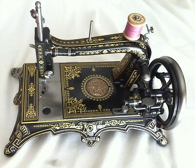 Antique  Sewing Machine  - Ancienne Machine A Coudre