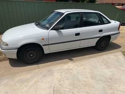 Holden Astra 1997 GL 1.8 Manual