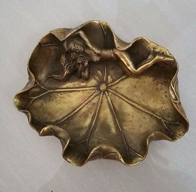 China fine brass sculpture carved women lotus leaf writing Brush Washer Statue