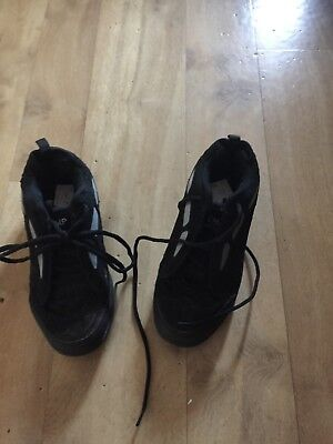 Boys Or Girls Black Heeleys Size 4 From Champ
