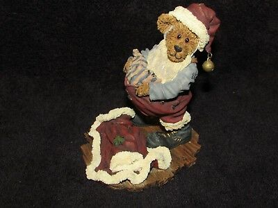 """Boyds Bears & Friends  """"at Christmas Play And Make """"  Style #83015  Nice Item"""