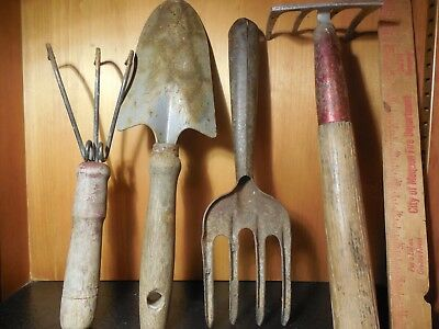 Lot of 4 VINTAGE GARDEN  HAND TOOLS
