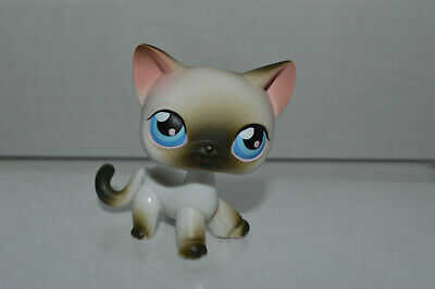 Littlest Pet Shop~#5~Siamese~Cat~Walking~White Black~Blue Dot Eyes~Red Magnet
