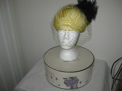 Women's VINTAGE BONWIT TELLER HAT WITH FEATHERS VEIL WITH ORIGINAL Flower Box