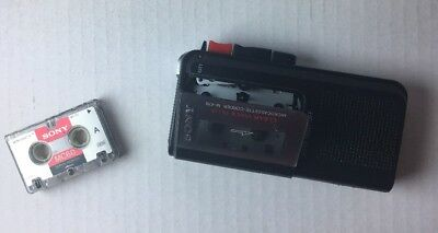 SONY M-470 Clear Voice Plus Handheld Microcassette Voice Recorder & 1 Tape