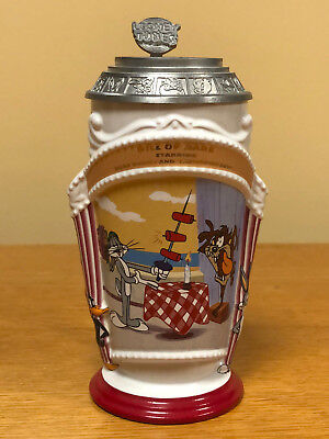 """Looney Tunes Lidded Ceramic Stein 1997 """" BILL OF HARE - 1962 """" - Excellent Cond"""