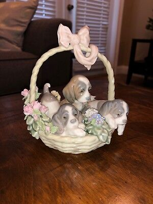 "LLADRO ""A Litter or Love"" Basket of Puppies Spain Dogs Figurine #1441"