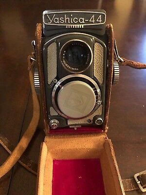 Yashica 44 Vintage Twin Lens Reflex Camera + Leather Case