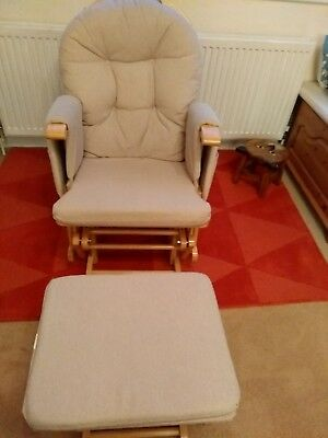 Natural Nursing Glider Maternity Chair and Stool in Excellent Condition