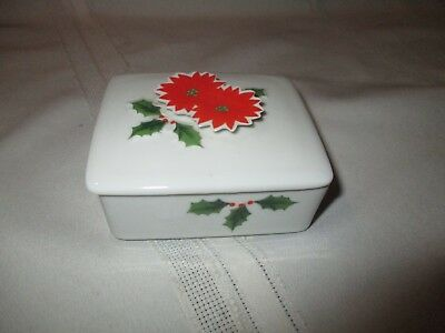 Poinsettia Trinket Box with Holly & Berries. Vintage.