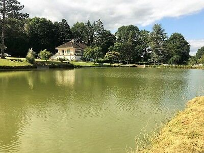 4 Bedroom house with small fishing lake France