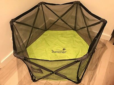 Summer Infant Pop N Play Portable Playpen in excellent condition with case