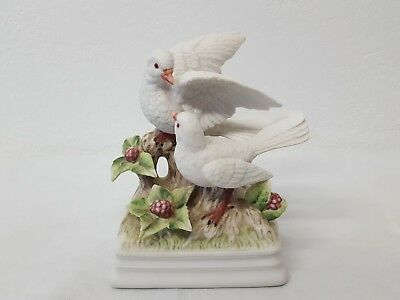 Vintage Gorham Music Box Pair Of White Doves Plays Theme From Love Story