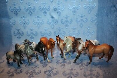 New BREYER 2017 Mystery Horse Surprise Stablemate Full Set of 8 Blind Bag #5899