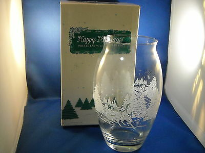 Avon 1998 President's Club Holiday Gift Glass Vase W/etched Sleigh Design France