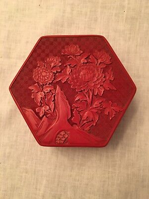 VTG Chinese Carved Lacquer hexagon shaped cinnabar trinket storage box