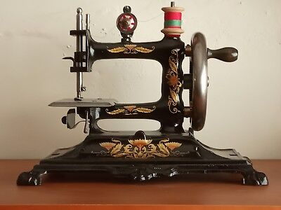 Antique Cast Iron Toy Sewing Machine  Muller 12 - Ancienne Machine A Coudre
