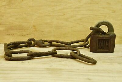 Antique Vintage Yale Padlock & Blacksmith Chain Yale & Towne Stanford Conn. USA