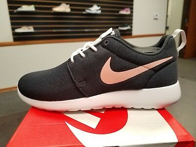 d9b24f5ef767 Brand New In Box Women Nike Roshe One 1 Running Shoes Oil Grey Pink 844994-