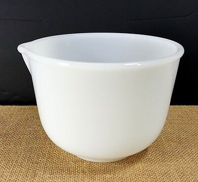Vintage Glasbake 20CJ 2 QT Made for Sunbeam White Milk Glass Mixing Bowl Spout