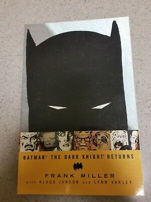 DC Comics BATMAN: THE DARK KNIGHT RETURNS TPB (2002) Frank Miller