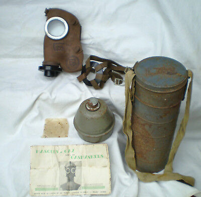 WW2 Belgium GASMASK & CONTAINER with Instructions, etc. DATED 1939. VGC
