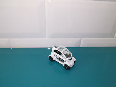 13.01.19.6 voiture miniature Norev 3 inches renault twizy police