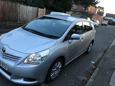 toyota verso T2 valvematic petrol manual 2009 2 owners 7 seater