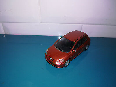 13.01.19.6 voiture miniature Norev 3 inches peugeot 307
