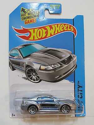 Hot Wheels 2014 Hw City - Mustang 1999 Ford Mustang Silver