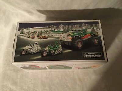 2007 HESS Monster Truck w/ Motorcycles MINT