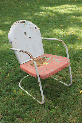 Vintage LAWN CHAIR 1940s METAL SCALLOPED Bouncy Patio Furniture Mid Century