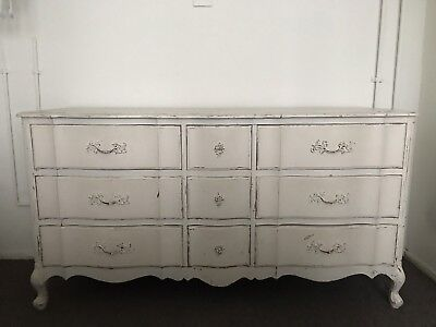 VINTAGE ANTIQUE FRENCH PROVINCIAL DRESSER - 9 Drawer