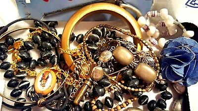 MIX LOT VINTAGE TO NOW JEWELRY UNSEARCHED UNTESTED All wearable NICE