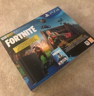SONY PlayStation 4 500GB Schwarz Fortnite Royal Bomber Pack Voucher NEU Garantie