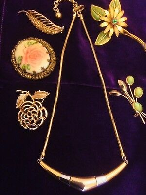 job lot of Vintage jewellery incl signed Trifari, Hollywood,Sarah Coventry