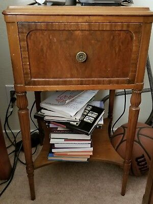 Flint And Horner Antique Night Stand