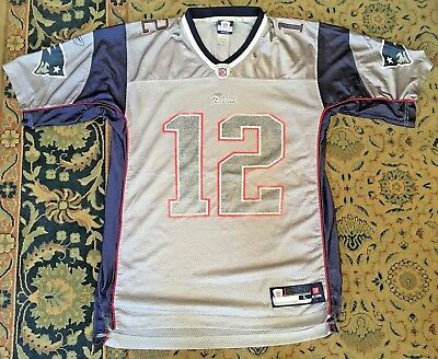 TOM BRADY NEW ENGLAND PATRIOTS NFL APPROVED JERSEY by REEBOK size LARGE