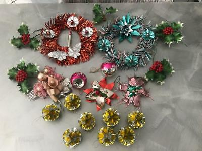 OLD VINTAGE 60s 70s CHRISTMAS TREE DECORATIONS PLASTIC HOLLY GLASS BAUBLE WREATH