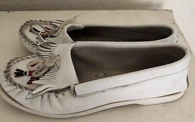 Minnetonka Moccasins Leather Tassel Feather Loafer Flat Shoes womens sz 8 White