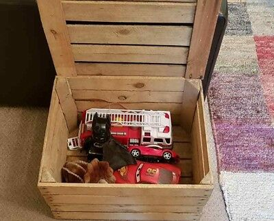 Vintage Wooden Apple Crate with Lid - Ideal toy box dog toy / shoe / storage box