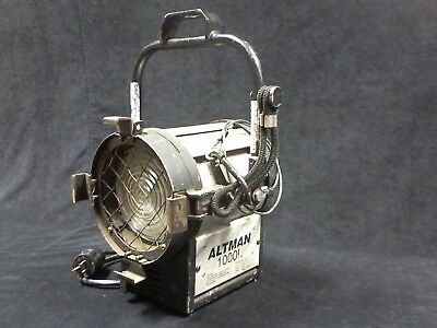 Altman 1000L fresnel light