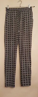 Ref 537 - NEW LOOK - Ladies Womens Girls Black & White Patterned Trousers Size 8