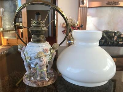 Good Antique Dresden / Coburg Porcelain Three Cherub Oil Lamp & Shade