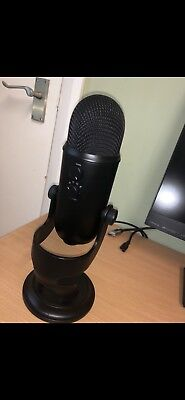 Blue Yeti Professional USB Microphone - Blackout