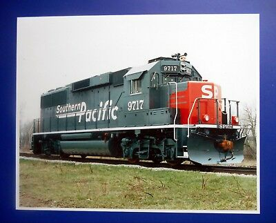 GM / EMD Electro-Motive - SP Southern Pacific GP60 Builder's Photo